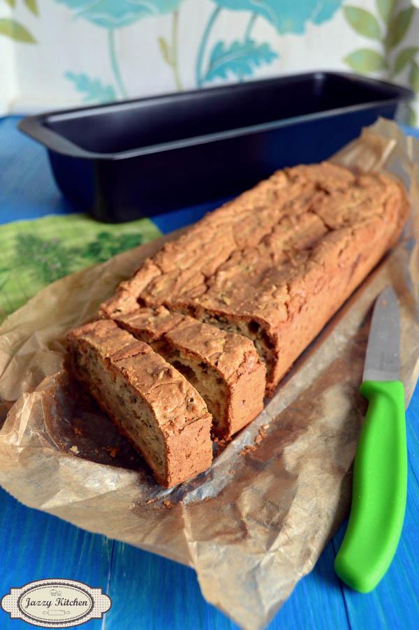 Kruh s rikulom i češnjakom